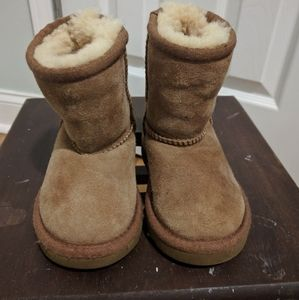 Toddler UGGs classic boots size 6